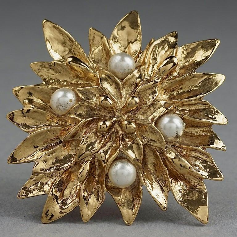 Vintage YVES SAINT LAURENT Ysl Pearl Flower Brooch For Sale 2