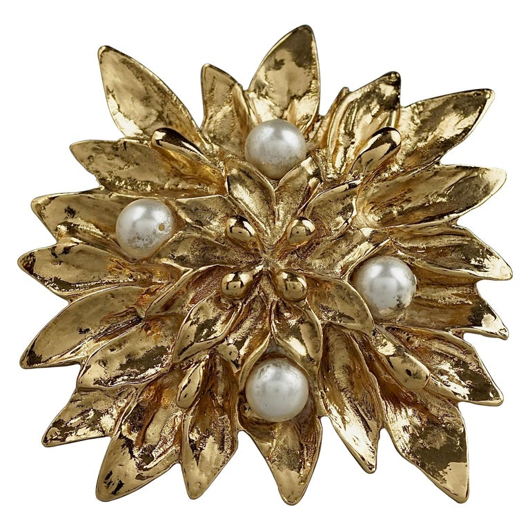 Vintage YVES SAINT LAURENT Ysl Pearl Flower Brooch For Sale