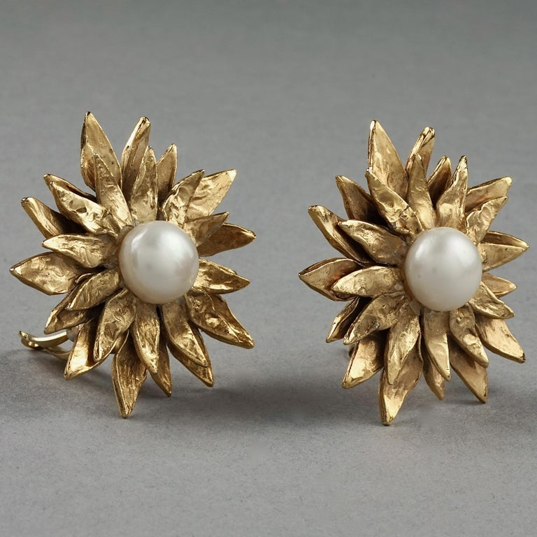 Women's Vintage YVES SAINT LAURENT Ysl Pearl Flower Earrings For Sale