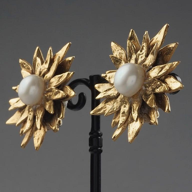 Vintage YVES SAINT LAURENT Ysl Pearl Flower Earrings For Sale 2