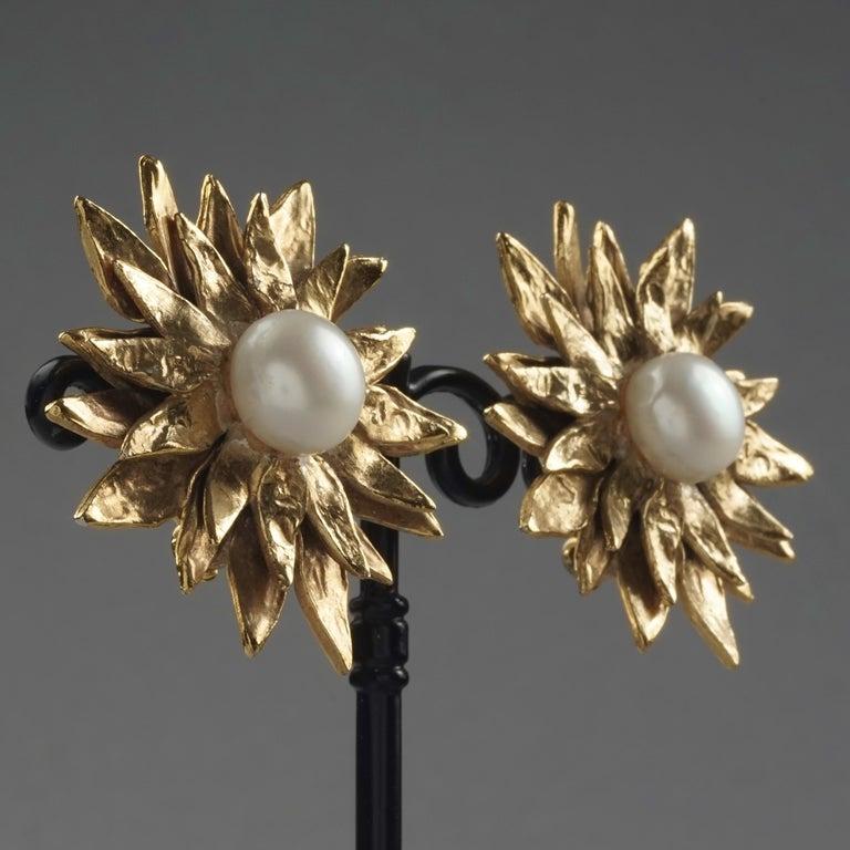 Vintage YVES SAINT LAURENT Ysl Pearl Flower Earrings For Sale 3