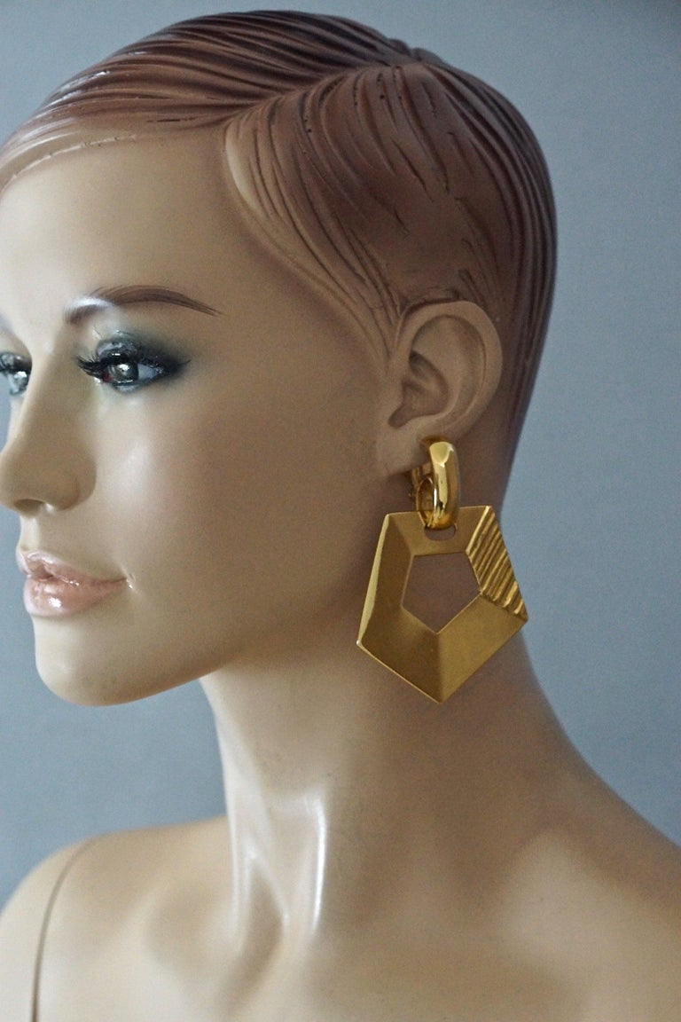 Vintage YVES SAINT LAURENT Ysl Pentagon Geometric Textured Drop Earrings  Measurements: Height: 2.95 inches (7.5 cm) Width: 2.16 inches (5.5 cm) Weight per Earring: 21 grams  Features: - 100% Authentic YVES SAINT LAURENT. - Textured geometric
