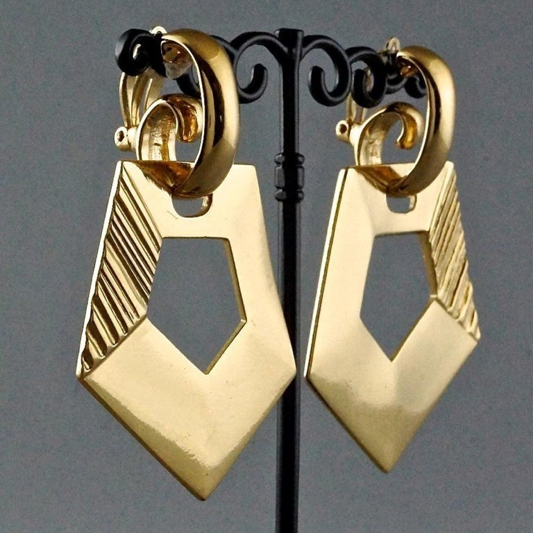 Vintage YVES SAINT LAURENT Ysl Pentagon Geometric Textured Drop Earrings For Sale 2