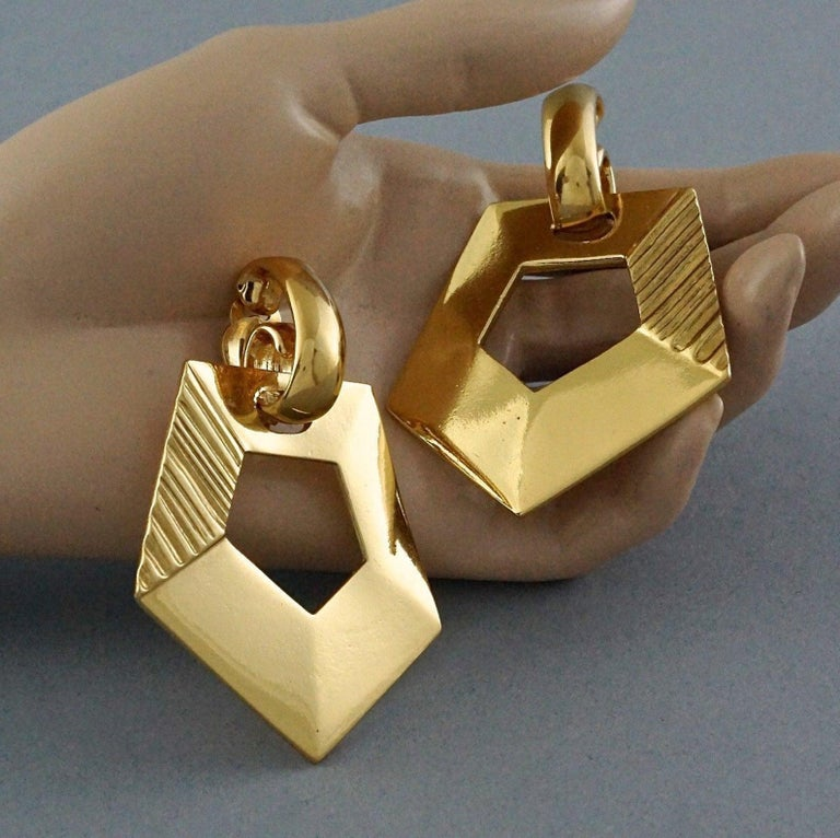Vintage YVES SAINT LAURENT Ysl Pentagon Geometric Textured Drop Earrings For Sale 3