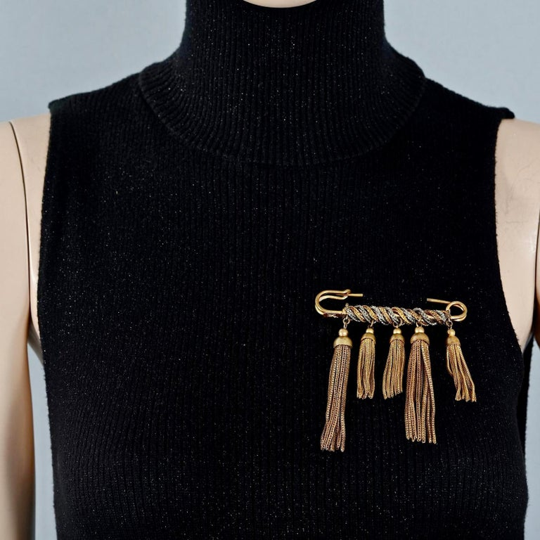 Vintage YVES SAINT LAURENT Ysl Safety Pin Tassel Brooch In Excellent Condition For Sale In Kingersheim, Alsace