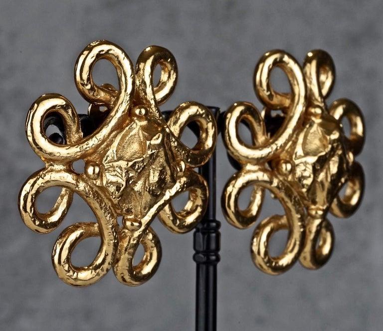 Vintage YVES SAINT LAURENT Ysl Swirl Nugget Earrings For Sale 2
