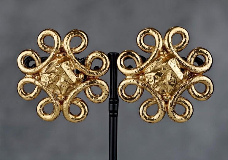 Vintage YVES SAINT LAURENT Ysl Swirl Nugget Earrings For Sale 3