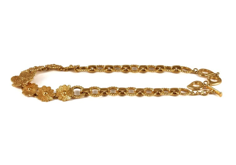 Vintage YVES SAINT LAURENT Ysl Textured Flower Chain Link Necklace In Excellent Condition For Sale In Kingersheim, Alsace