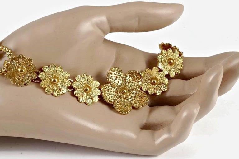 Vintage YVES SAINT LAURENT Ysl Textured Flower Chain Link Necklace For Sale 2