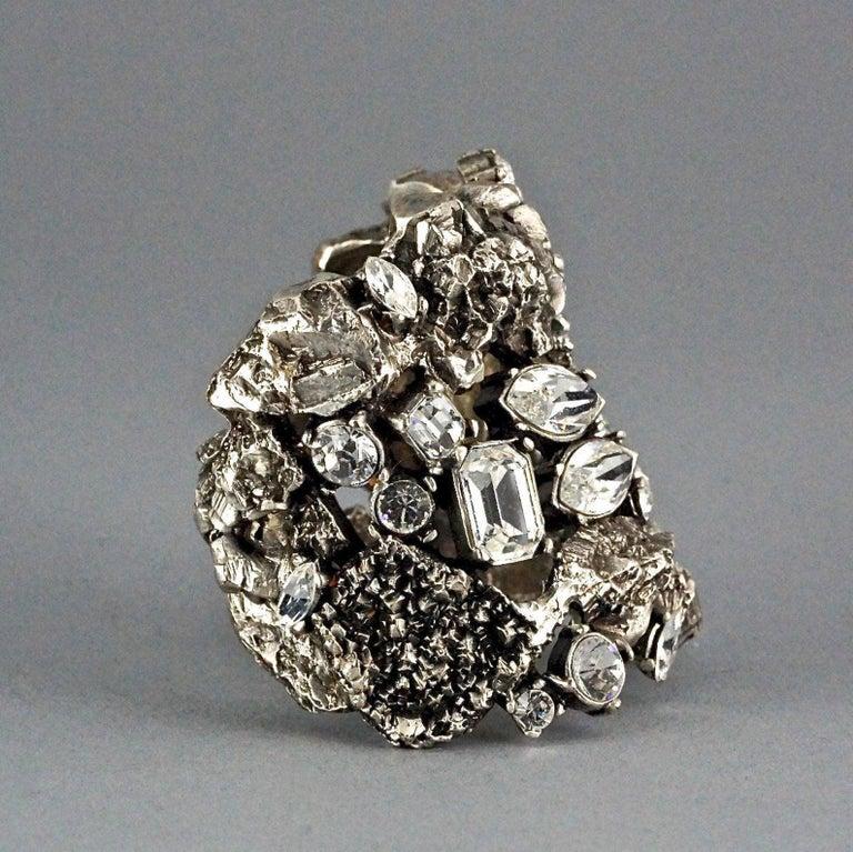Vintage YYVES SAINT LAURENT Ysl Lava Rock Rhinestone Bracelet Cuff In Excellent Condition For Sale In Kingersheim, Alsace