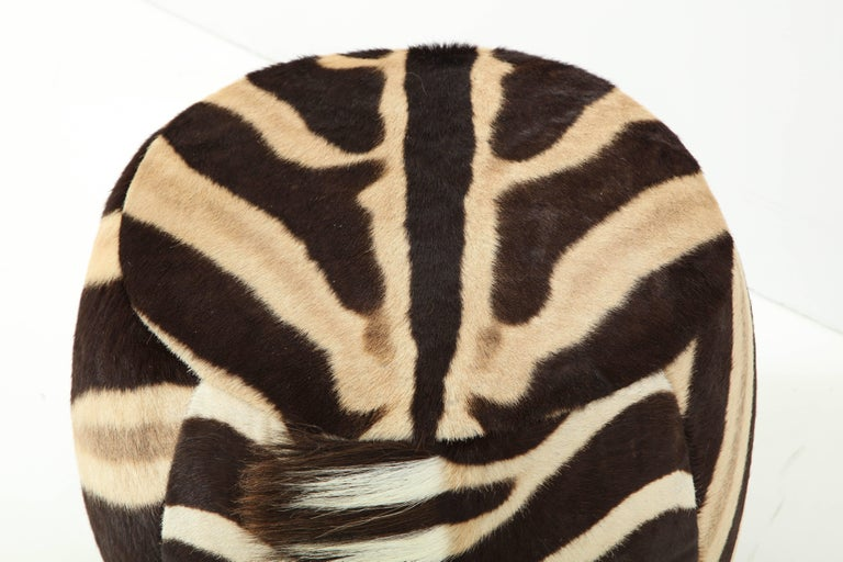 Vintage Zebra Ottoman In Excellent Condition For Sale In New York, NY