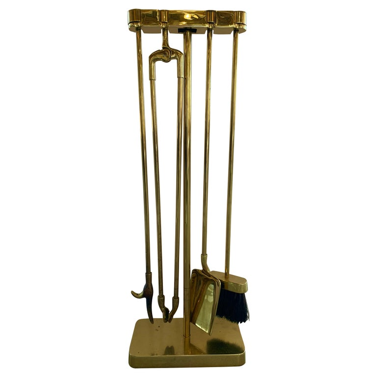 Virginia Metalcrafters Brass Fireplace Tool Set For Sale