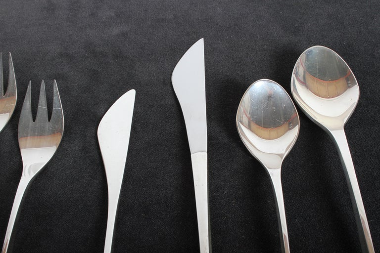 Vision International Sterling Flatware Set by Ronald Pearson for 12-75 Pieces For Sale 1