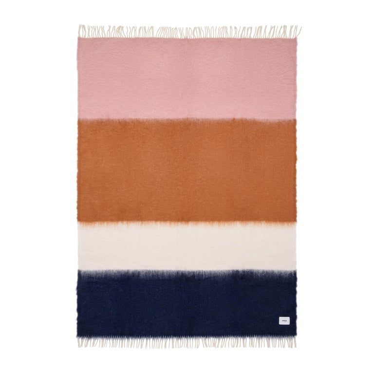 The most exquisite mohair is handled by master carders, shearers dyers and weavers to create a one of kind blanket unlike any other. Created in a fully manual weaving process keeping with a tradition that dates back to the 15th century, this