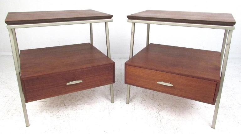 Great pair of Eames Era metal and walnut nightstands or end tables by Vista of California, circa 1960s. Please confirm item location (NY or NJ) with dealer.