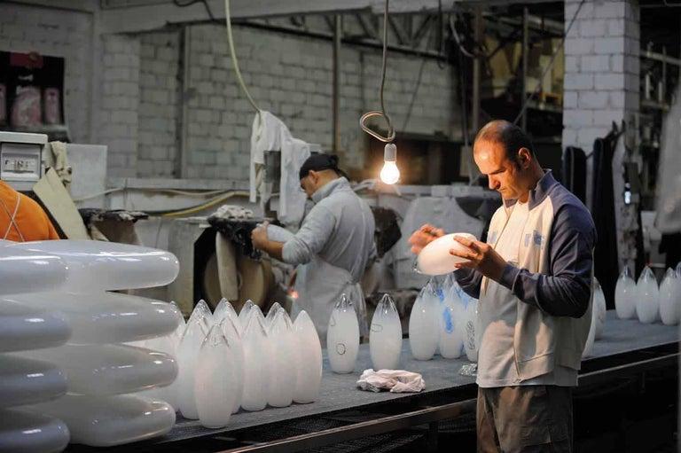 Vistosi Noon Pendant Light in White by Renato Toso, Noti Massari & Associates In New Condition For Sale In Mogliano Veneto, Treviso