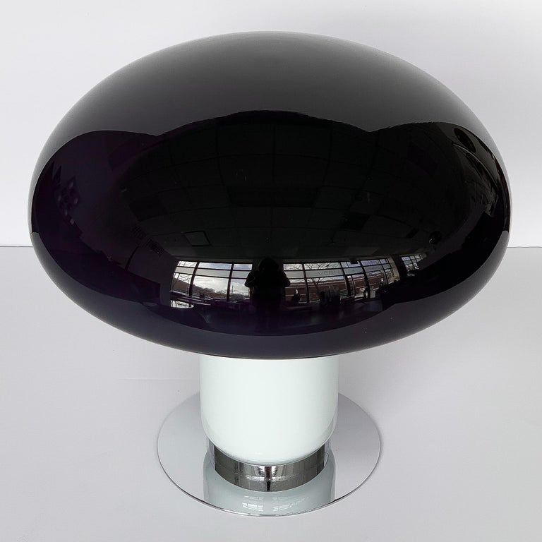 Vistosi Purple / Amethyst Mushroom Table Lamp In Good Condition For Sale In Chicago, IL