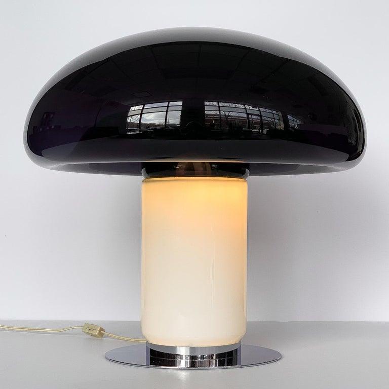 Mid-20th Century Vistosi Purple / Amethyst Mushroom Table Lamp For Sale