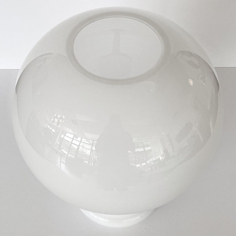Vistosi White Cased Glass Sculptural Table Lamp For Sale 2