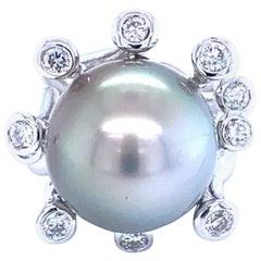 18 Karat White Gold 22.85 Carat Pearl Diamonds Cocktail Ring