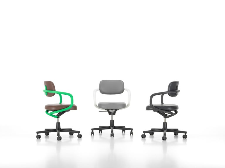 Vitra Allstar Chair in Nero Leather by Konstantin Grcic In New Condition For Sale In New York, NY