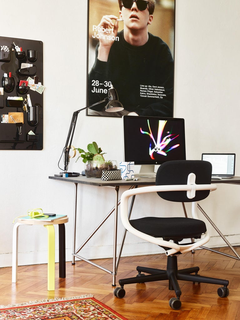 Vitra Allstar Chair in Nero Leather by Konstantin Grcic For Sale 2