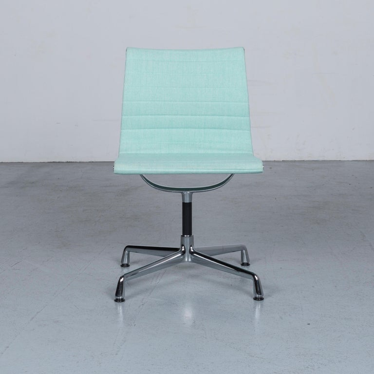 We bring to you an Vitra EA 101 designer fabric chair light green chrome.