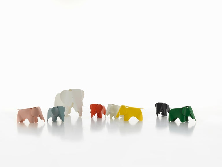Vitra Eames Elephant in Buttercup by Charles & Ray Eames In New Condition For Sale In New York, NY