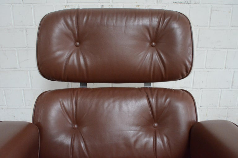 Vitra Eames Lounge Chair Cognac Brown and White Shell, Set of 2 For Sale 4