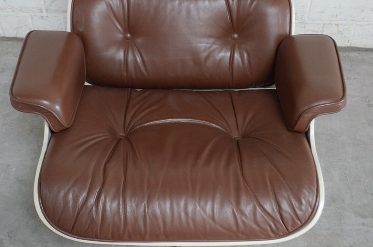 Vitra Eames Lounge Chair Cognac Brown and White Shell, Set of 2 For Sale 5