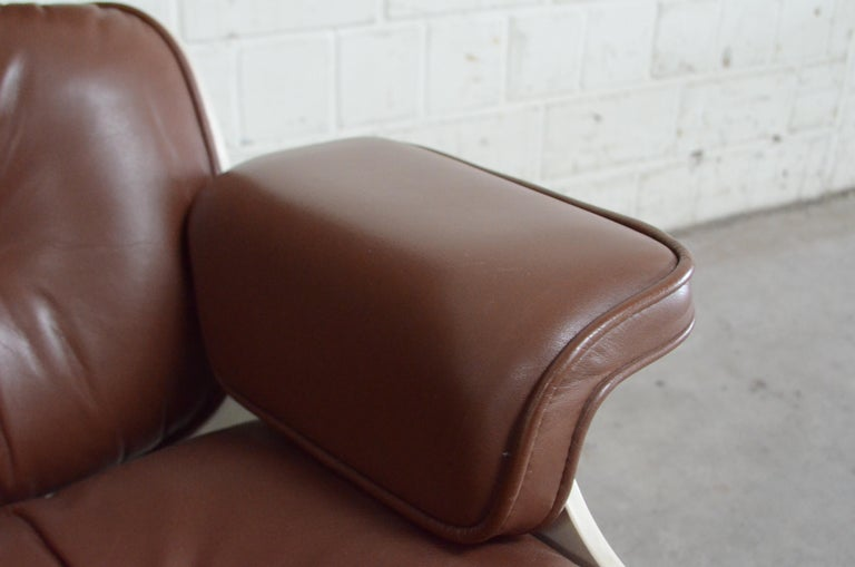 Vitra Eames Lounge Chair Cognac Brown and White Shell, Set of 2 For Sale 7