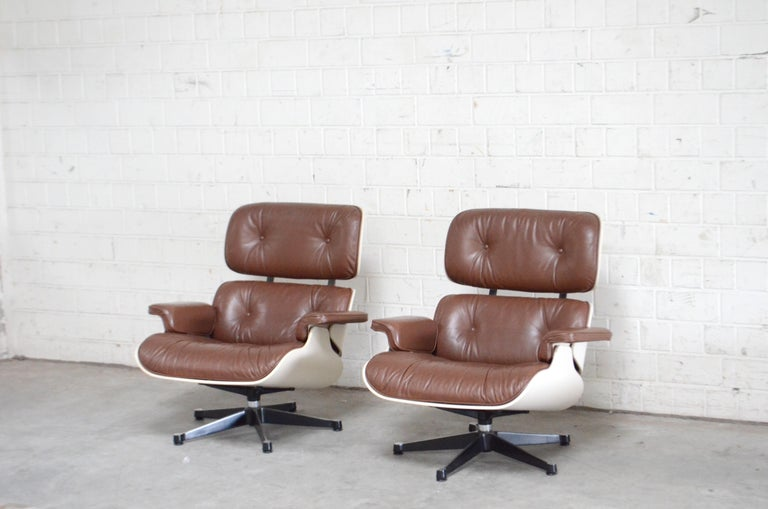 Vitra Eames Lounge Chair Cognac Brown and White Shell, Set of 2 For Sale 12