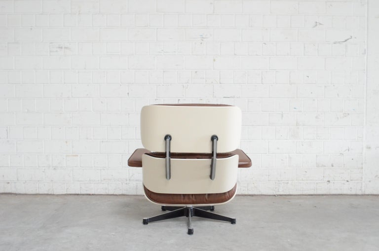 Vitra Eames Lounge Chair Cognac Brown and White Shell, Set of 2 For Sale 1