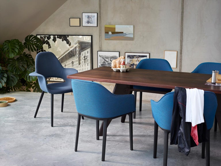 Vitra EM Table in Ivory HPL and Deep Black by Jean Prouvé In New Condition For Sale In New York, NY
