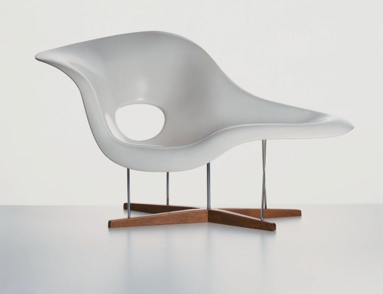 These items are currently only available in the United States.  Inspired by the 'Floating Figure' sculpture created by Gaston Lachaise, Charles and Ray Eames designed La Chaise as a lounge chair for a competition at the Museum of Modern Art in New