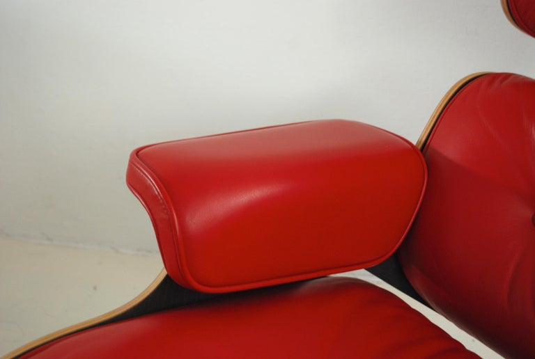 Vitra Lounge Chair Red Leather Santos Rosewood Charles/ Ray Eames, 2007 2