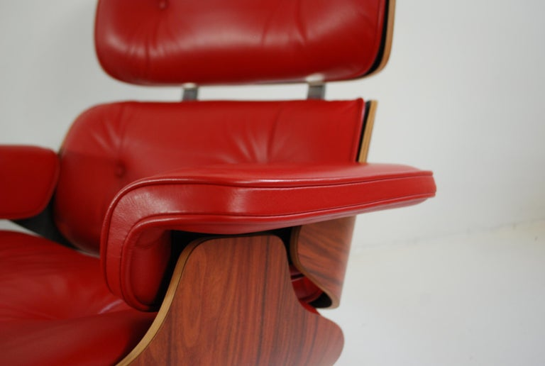 Vitra Lounge Chair Red Leather Santos Rosewood Charles/ Ray Eames, 2007 8