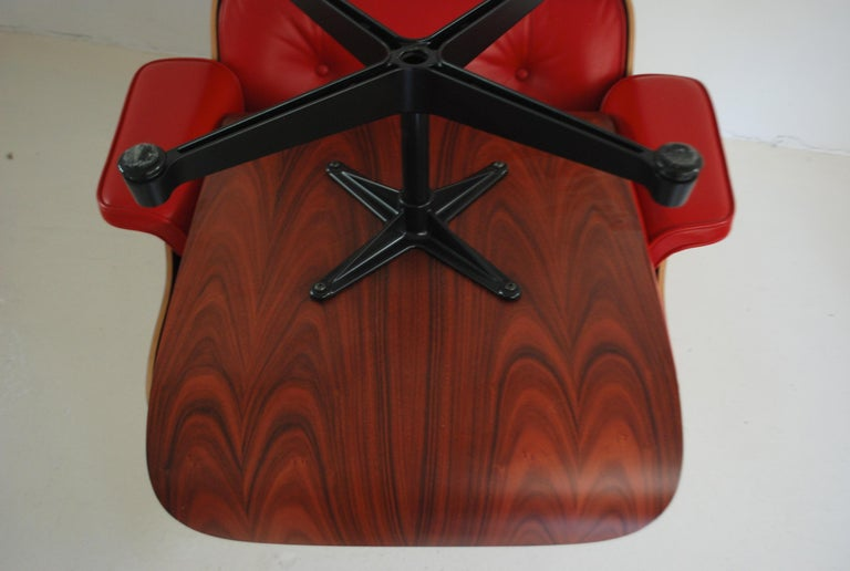 Vitra Lounge Chair Red Leather Santos Rosewood Charles/ Ray Eames, 2007 10