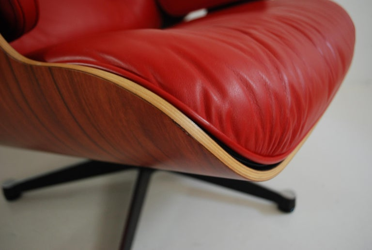Vitra Lounge Chair Red Leather Santos Rosewood Charles/ Ray Eames, 2007 11