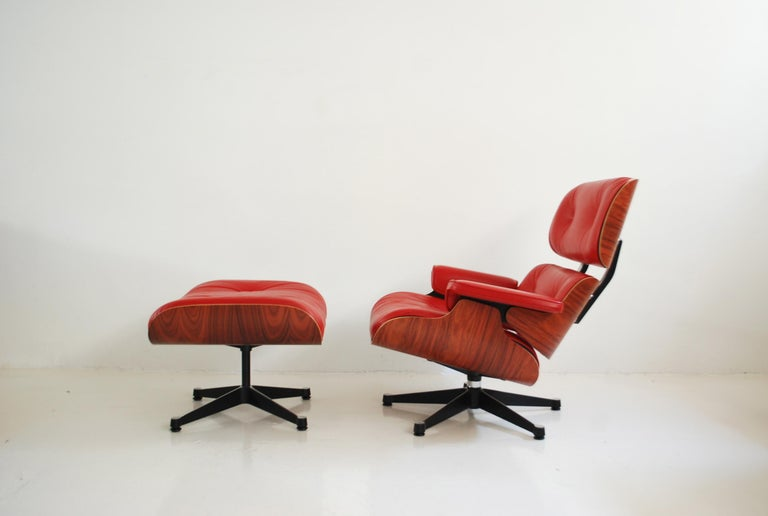Modern Vitra Lounge Chair Red Leather Santos Rosewood Charles/ Ray Eames, 2007
