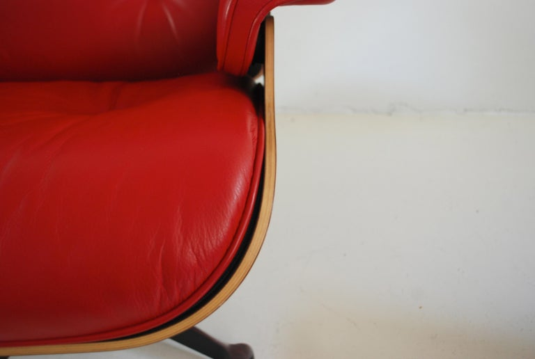 Aluminum Vitra Lounge Chair Red Leather Santos Rosewood Charles/ Ray Eames, 2007