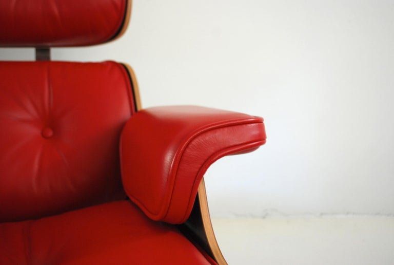 Vitra Lounge Chair Red Leather Santos Rosewood Charles/ Ray Eames, 2007 1