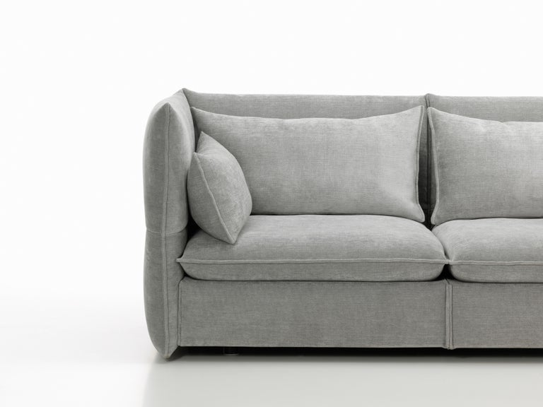 Vitra Mariposa 2 1/2-Seat Sofa in Silver Grey by Edward Barber & Jay Osgerby For Sale 1