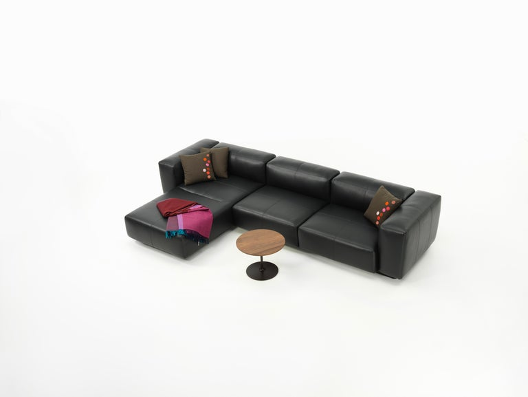 Vitra Soft Modular 3-Seat Sofa with Chaise in Nero Leather by Jasper Morrison In New Condition For Sale In New York, NY