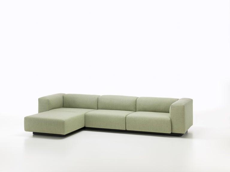 Vitra Soft Modular Sofa Mit Chaise Salbei Gekorntes Dumet Von Jasper Morrison 2