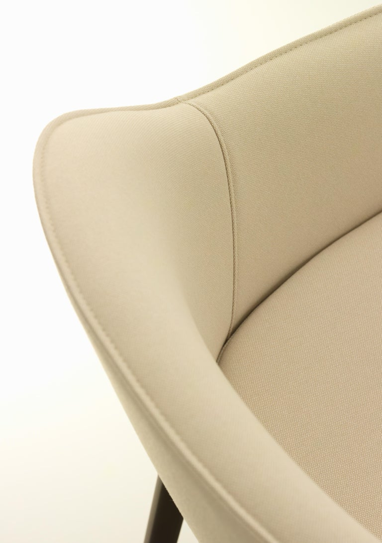 Vitra Soft Shell Chair in Ivory Laser by Ronan & Erwan Bouroullec In New Condition For Sale In New York, NY