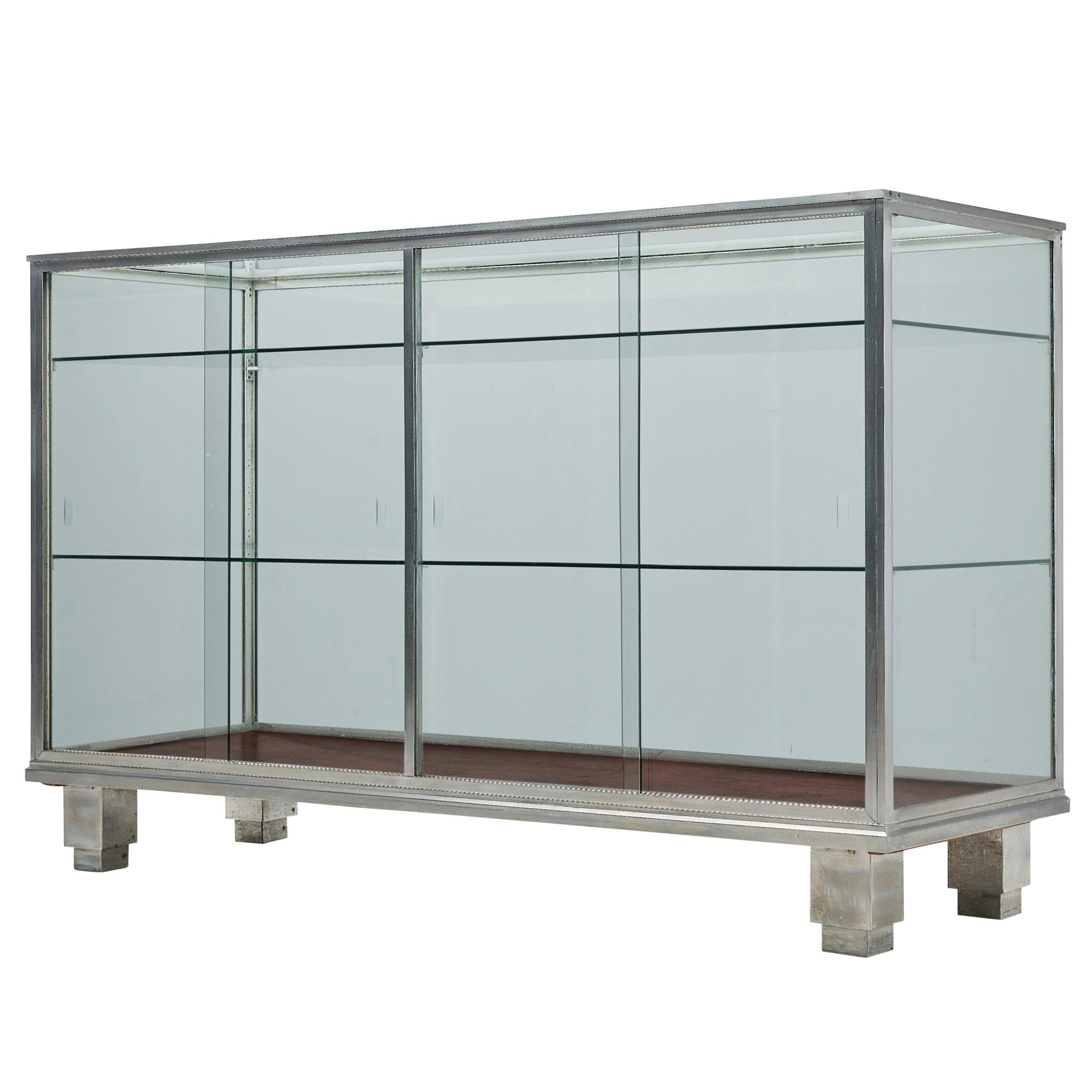 Vitrine in Aluminum and Glass