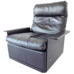 Vitsoe 620 by Dieter Rams Black Leather Lounge chair