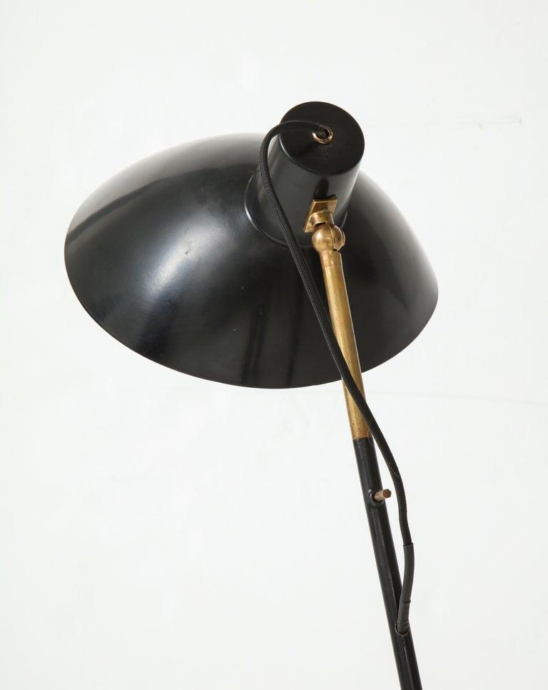 Vittoriano Vigano for Arteluce Rare Floor Lamp Model 1047 For Sale 2
