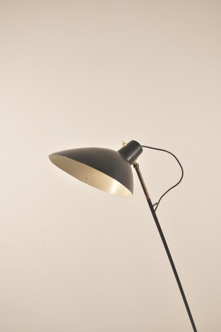 Mid-Century Modern Vittoriano Vigano for Arteluce Rare Italian Floor Lamp Model 1047 For Sale
